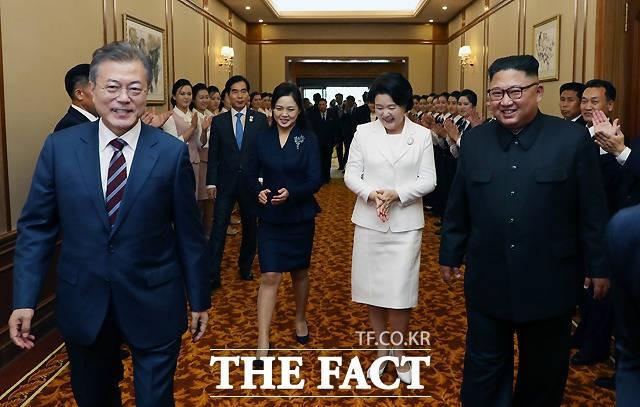 """남북정상회담 욕설기자 논란에 KBS """"소속 촬영기자 아냐""""(영상)"""