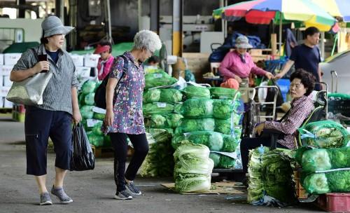 냉해에 가뭄·폭염…추석물가 폭등에 소비자·소상공인 '끙끙'