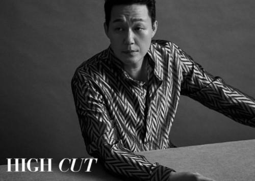 '신세계' 박성웅, B컷 화보가 이 정도? '흑백 뚫고 나오는 카리스마'