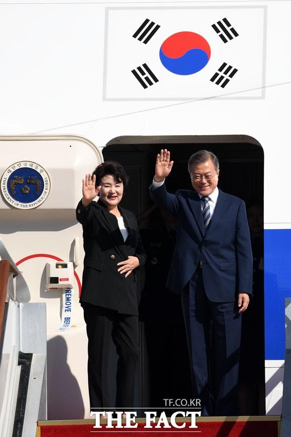 '유엔총회·한미정상회담' 위해 출국하는 문재인 대통령