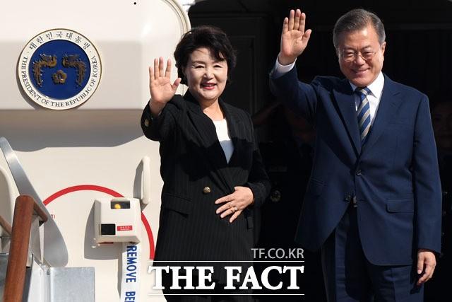 문재인 대통령-김정숙 여사, 뉴욕으로…24일 한미 정상회담