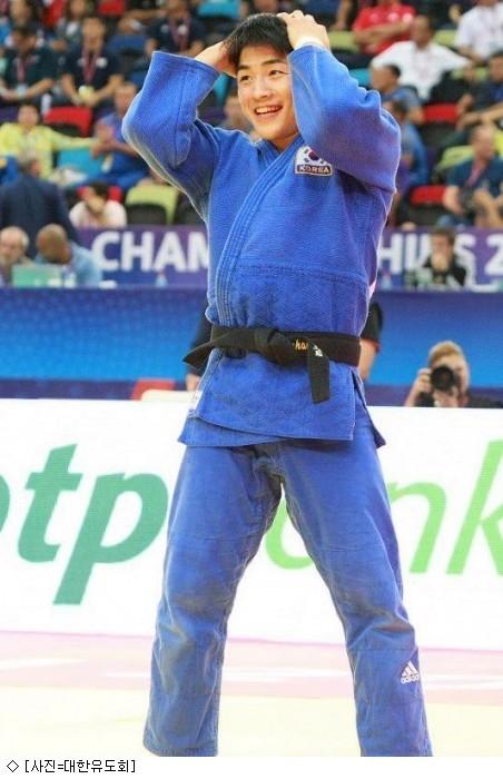 안창림, 유도 세계선수권 金…日 하시모토 상대 한판승