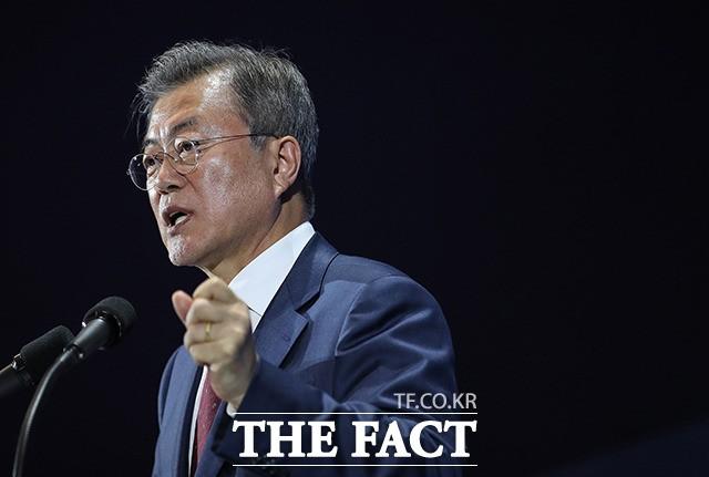 문 대통령 국정수행 지지율 61.9% 급반등, 남북정상회담 평화효과