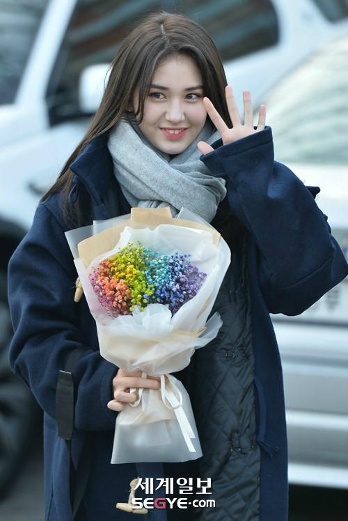 "JYP 결별 전소미, YG 레이블 ""아티스트로서 재능이 뛰어나 계약"""