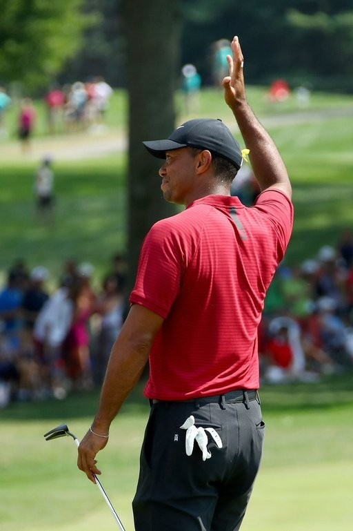 황제의 부활인가… 타이거 우즈, 5년 만에 PGA 우승