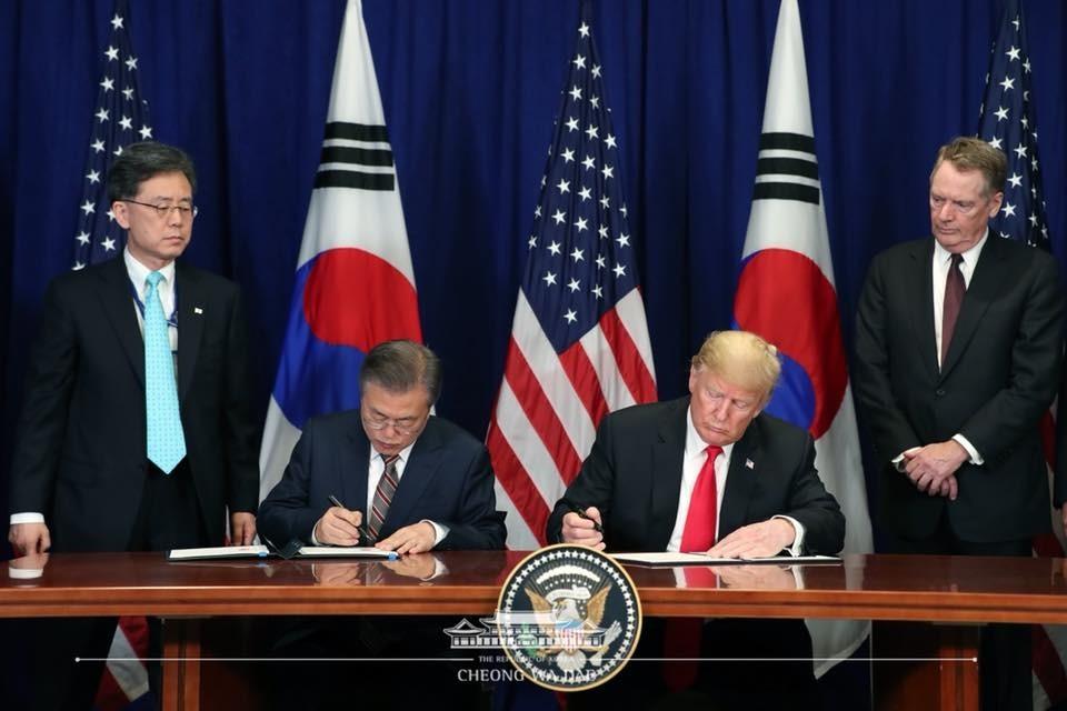 """문대통령 요구에 트럼프 """"한국 자동차, 관세 면제 검토"""""""