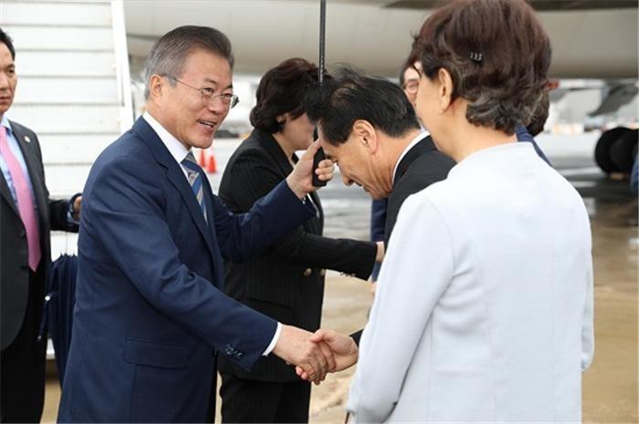문 대통령 지지율, 평양 남북정상회담 이후 61.9%로 급등