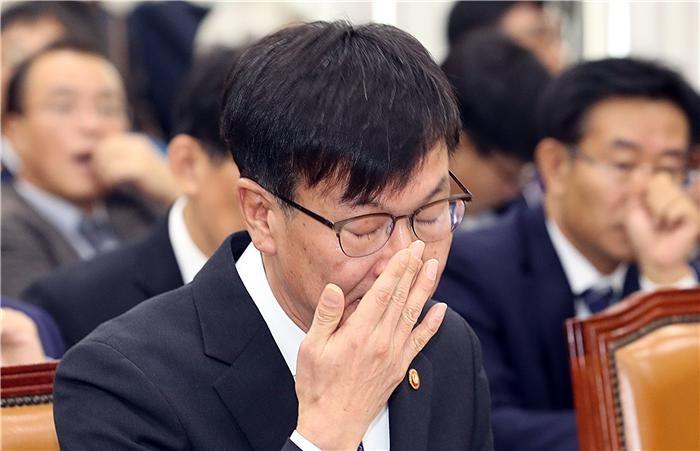 """""""더클래스효성, 공정위 직원·고위층 특혜…변양균 부인 벤츠 40% 할인"""""""