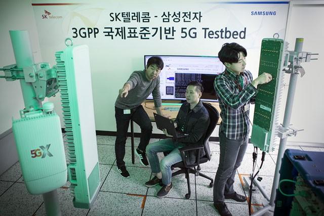 """SK텔레콤, 삼성전자 5G 장비로 '퍼스트콜' 성공 """"상용화 최종 단계 진입"""""""
