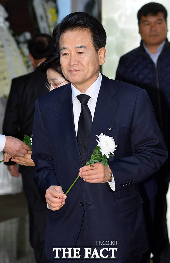 박지원 부인상 조문하는 정동영 민주평화당 대표
