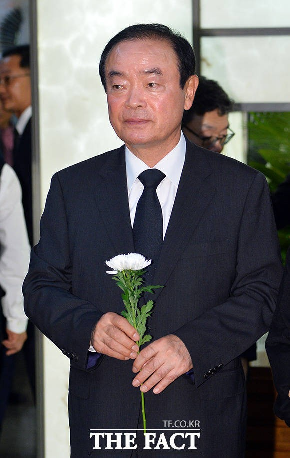 박지원 의원 부인상 조문하는 장병완 민주평화당 원내대표