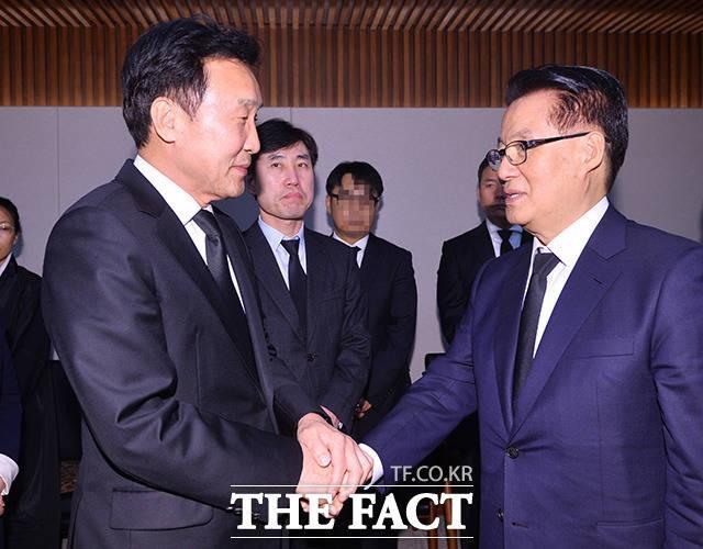 박지원 의원 위로하는 손학규 대표