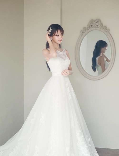 """김수현 아나운서, '우왁굳' 오영택과 결혼 """"서로 존중하며 살 것"""""""