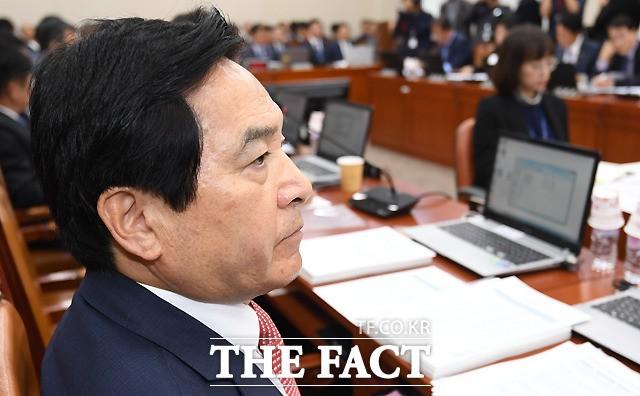 '심재철 사태'로 국감 2라운드 곳곳 파행...여야 '고성 난무'(영상)