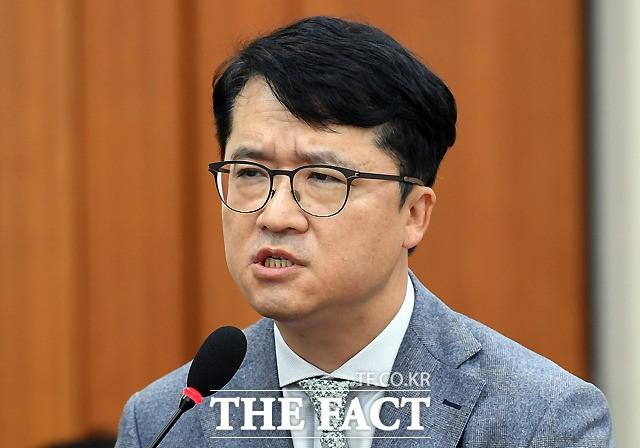 박현종 bhc 회장 국감서 갑질 횡포 '발뺌'…가맹점주들 '부글'
