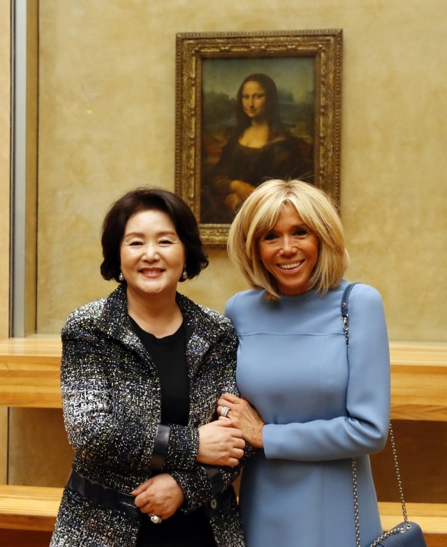 김정숙·마크롱 여사, 루브르박물관 방문···모나리자 등 소장품 관람