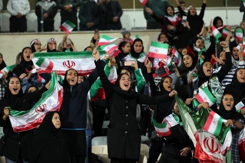 이란, 37년 만에 여성 축구경기 직접 관람 허용
