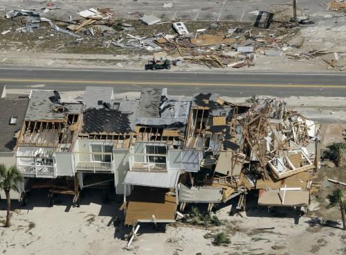 하루 10명꼴…허리케인 강타한 플로리다 약탈 극성