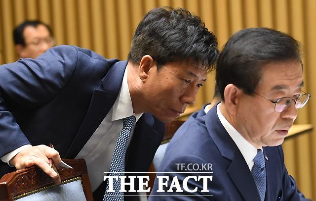 서울시 국감, 야당 공세에 분주한 김태호 사장