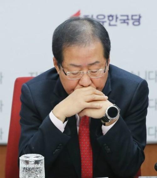 """洪, 송영길에 버럭 """"가족을 고사포로 쏴 죽인 北이 가족~, 전작권 환수는 낭만주의"""""""