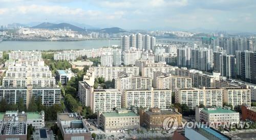 서울 아파트값 4개월 만에 최저…정부 대책 영향