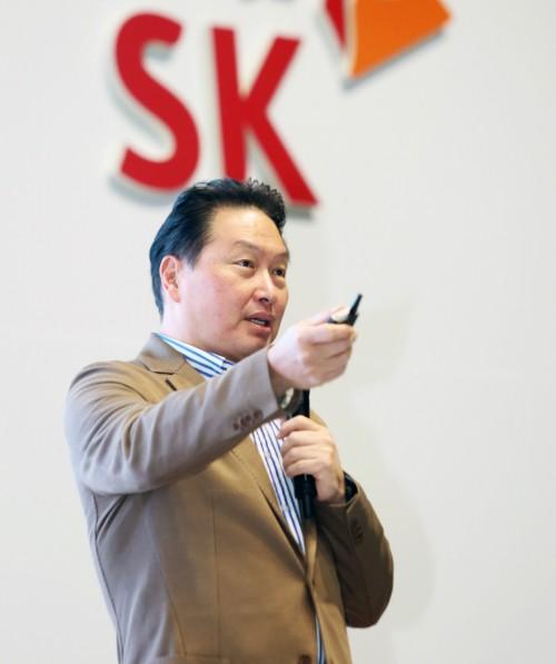 """""""사회적 가치 기반해야 지속 성장""""… SK '딥 체인지' 가속"""