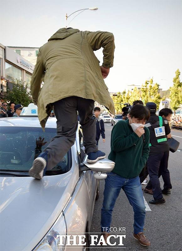 택시 파업 참가자, '운행중인 택시 차량 파손'