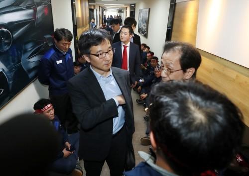 한국GM 'R&D 법인 분리' 강행… 勞使 대립