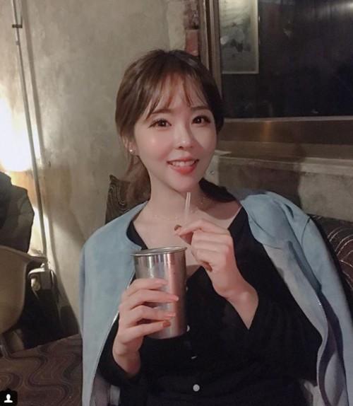 잼라이브 여신 김해나, 일상이 화보…'꿀잼퀴즈방' 언제 방송되나