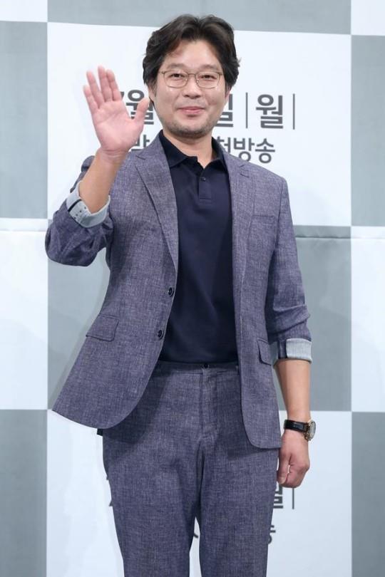 유재명, 오늘(21일) 띠동갑 연인과 결혼…연극 인연-5년 교제