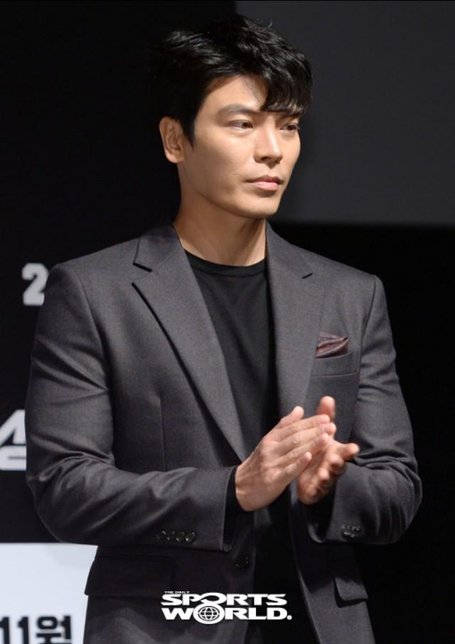 여오하 '성난황소' 김성오, 송지효와 호흡