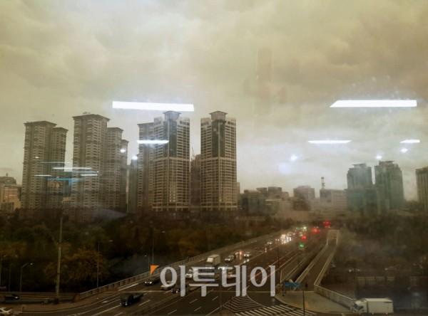 인천·부천·안산·서울 날씨, 노랗게 변한 하늘…황사는 '약함'인데 중국발 스모그 때문?