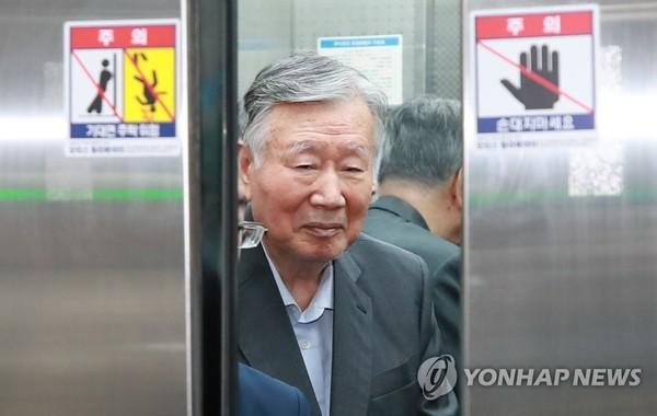 '4천억원대 횡령·배임 혐의' 부영 이중근 회장 오늘 1심 선고