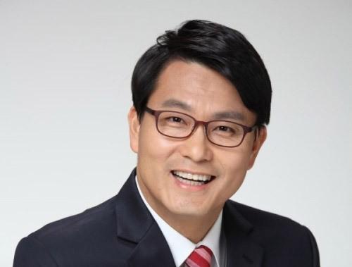 """윤상현 의원 """"문재인 정부 내외신 보도에 눈과 귀 닫아"""""""