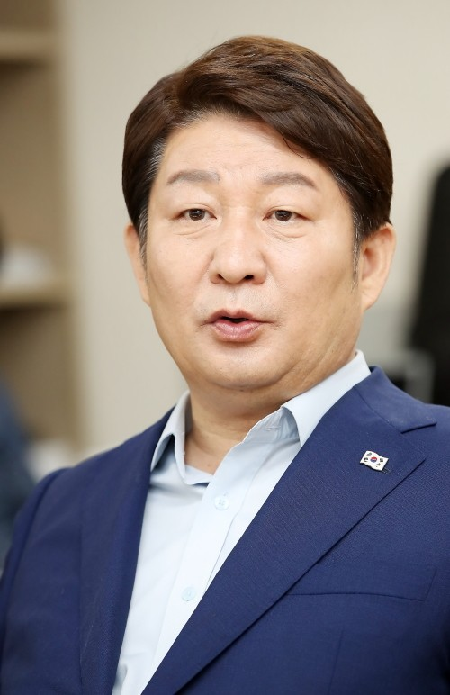 '공직선거법 위반' 권영진 대구시장 벌금 90만원