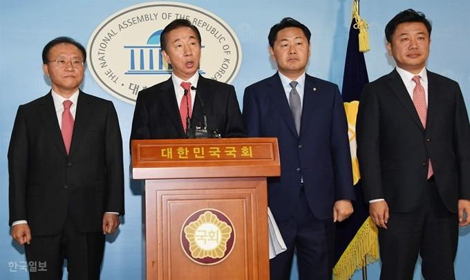 """2야 """"조국 해임ㆍ국조 수용을… 거부 땐 예산심사 보이콧"""" 정국 급랭"""