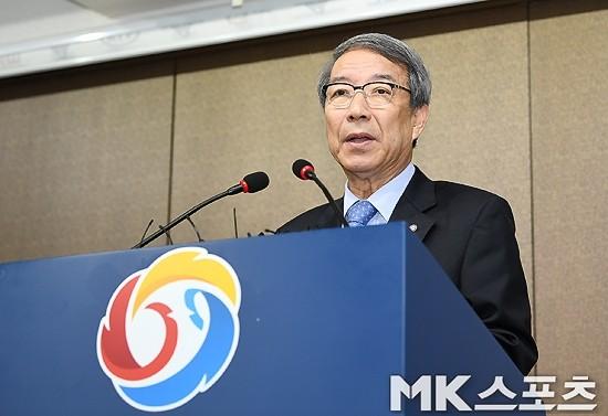 사퇴하는 SUN…KBO, 정운찬 총재는 책임 없나