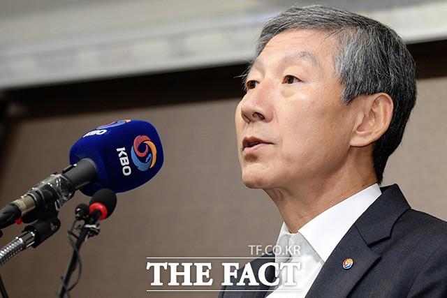 '선동열 감독 사퇴'…입장 밝히는 장윤호 KBO 사무총장