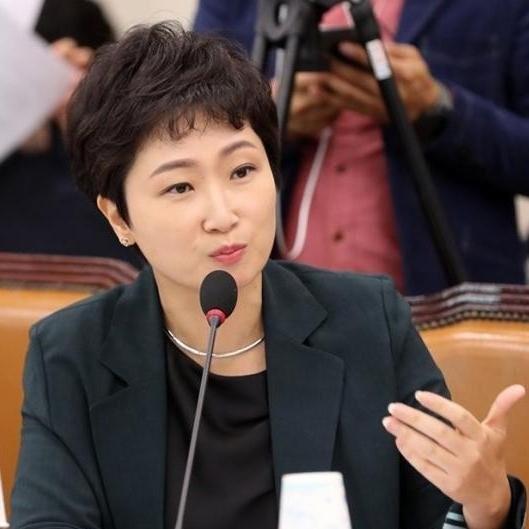 """이언주 """"한국당 입당? 왜들 이러나…반문으로 하나 돼야"""""""