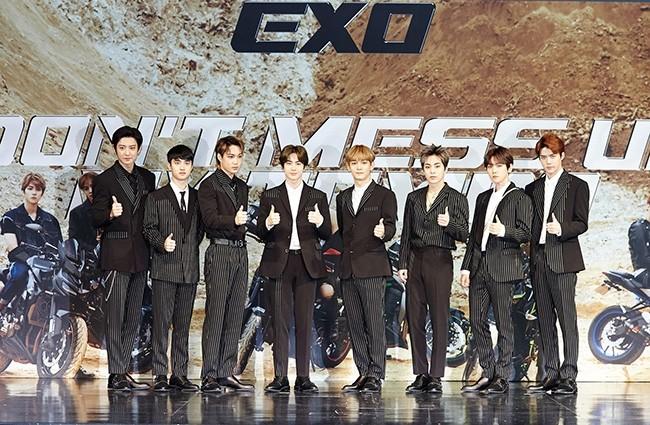 'K-POP 킹' 엑소, 정규 5집 美 '빌보드 200' 23위…글로벌 화력 뜨겁다