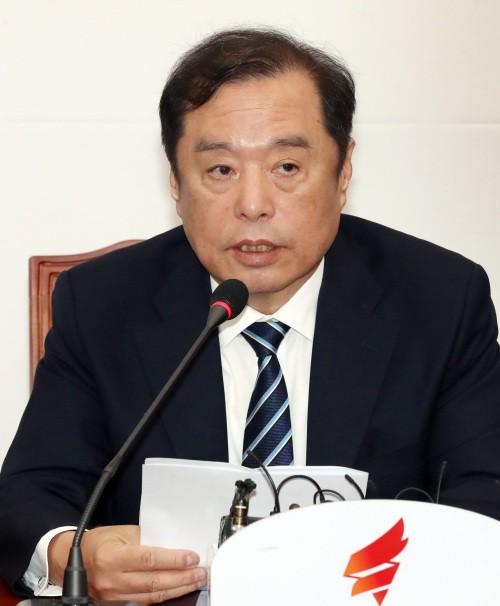 """박지원 """"한국당은 만신창이…민주당 일부도 부글부글 끓어"""""""