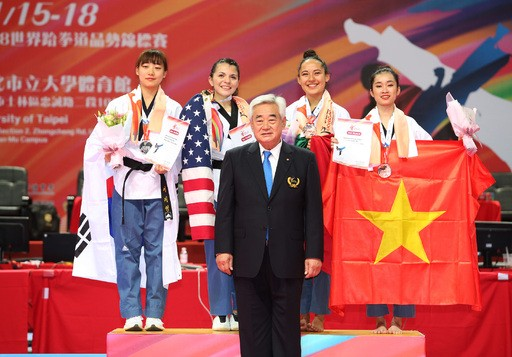금 4·은 1개 획득.... 한국태권도, 세계품새선수권 첫날 무더기 메달사냥 성공