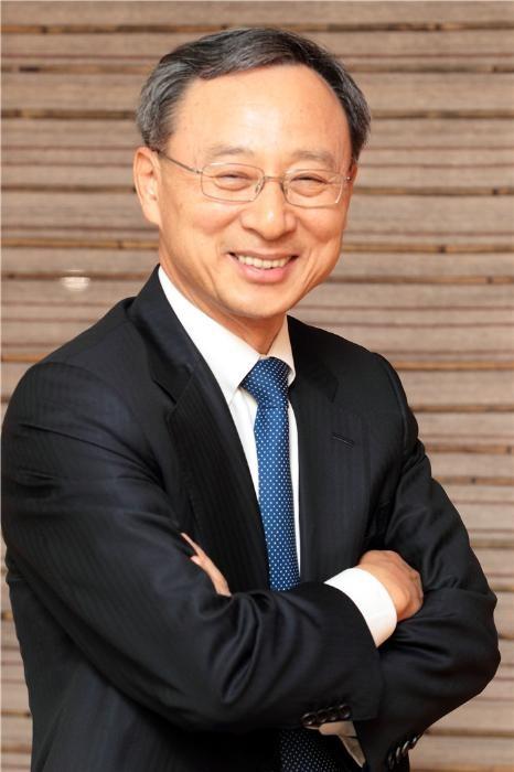 황창규 KT 회장, MWC 2019 기조연설 나선다