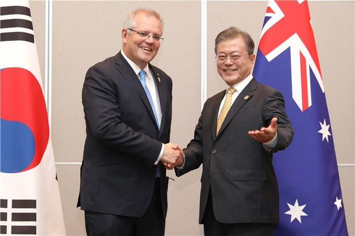 문 대통령, 한-호주 정상회담서 통상·에너지협력 등 논의