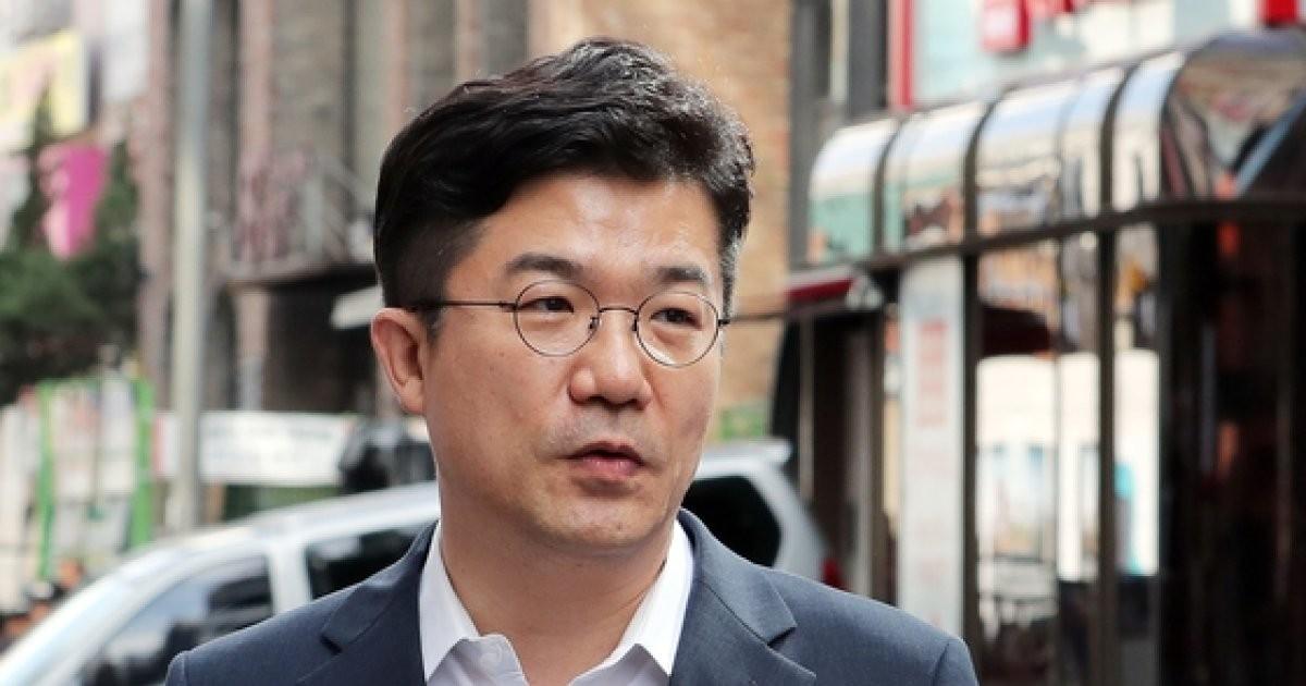 '불법 정치자금 의혹' 송인배 비서관, 비공개 소환 조사