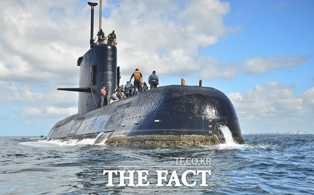 아르헨티나 해군 잠수함 'ARA 산후안'호, 수심 800m 발견