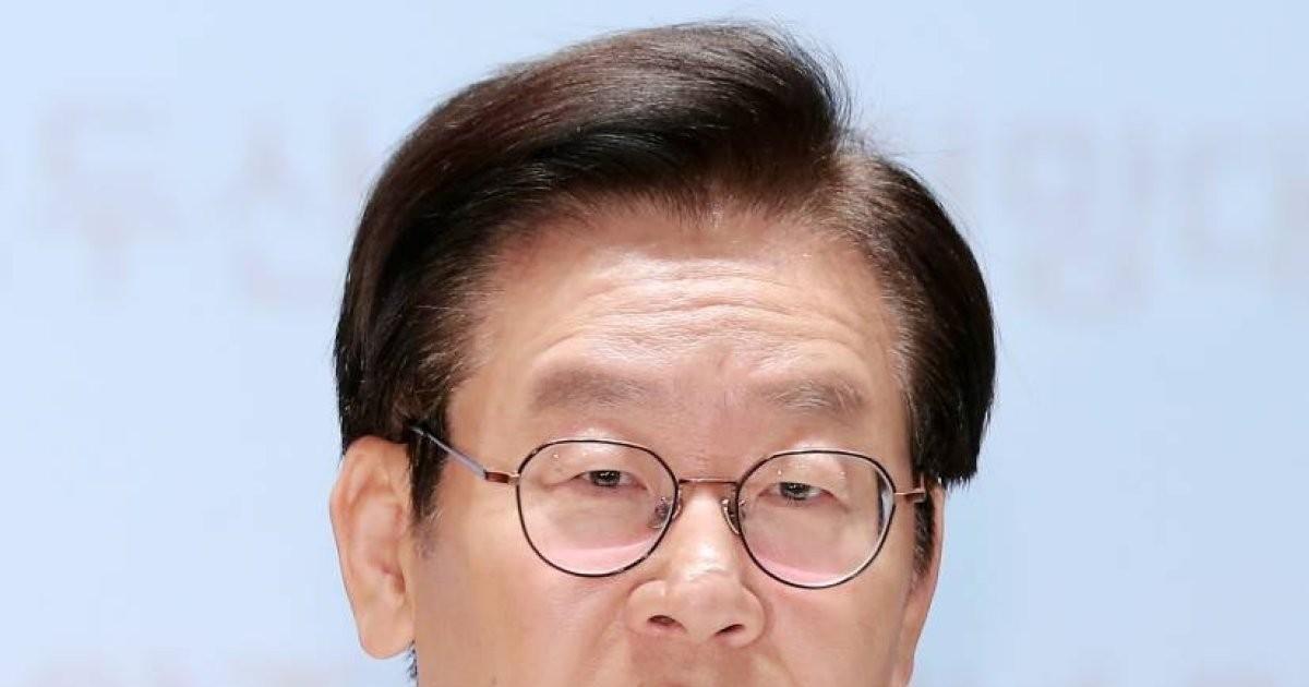 """이재명 """"@08_hkkim이 김혜경? 경찰의 스모킹건, 허접하다"""""""