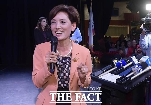 한국계 영 김, 美하원선거 길 시스네로스에 역전패