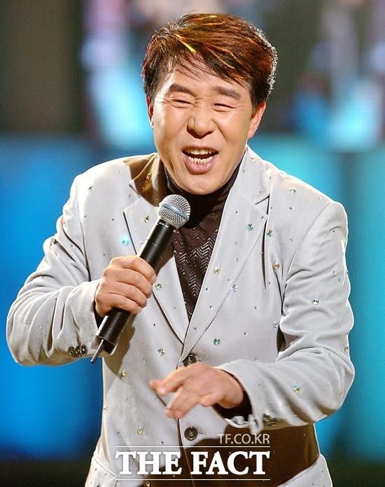 '영원한 맏형님' 송대관, 송년디너쇼 'Thanks For 2018'
