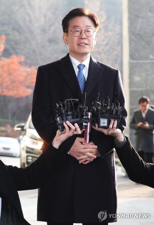 이재명 셀프SNS 투표..'김혜경에 공감'은 19% 그쳐